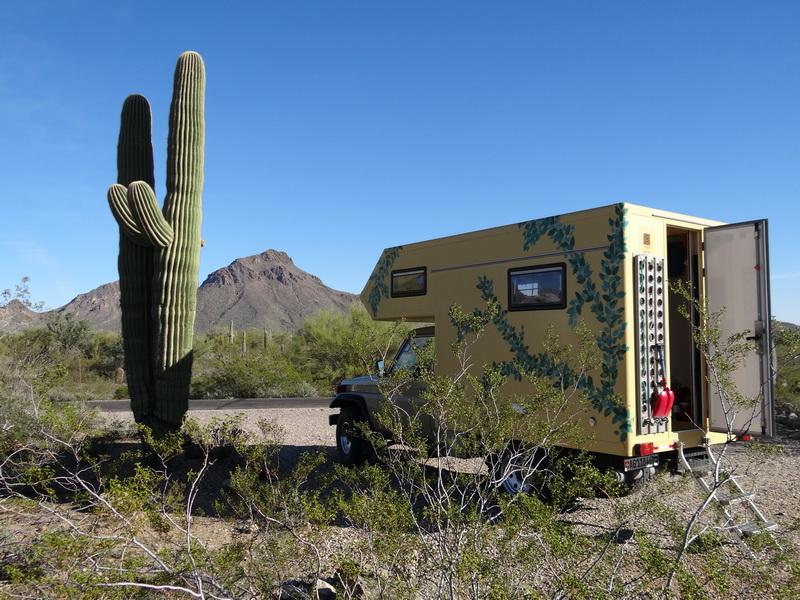 Camping Gillbert Ray