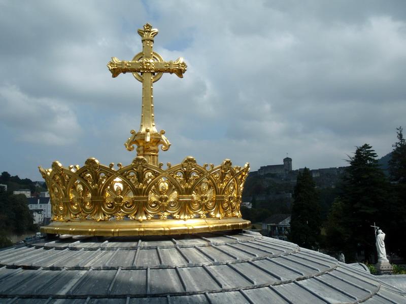 Prunk in Lourdes